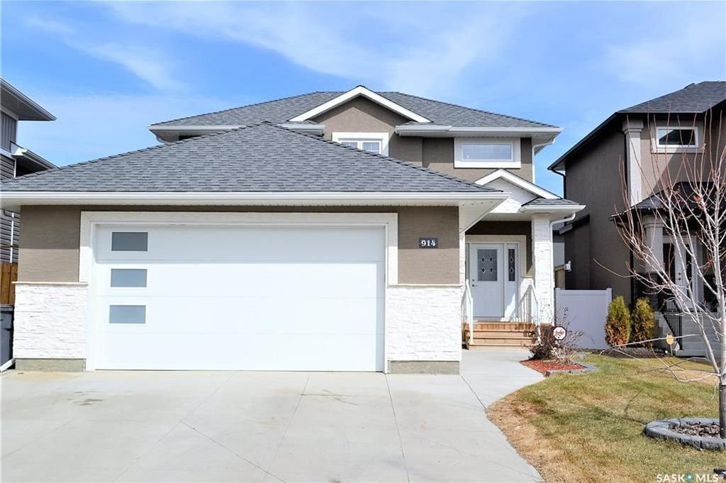 Main Photo: 914 Werschner Crescent in Saskatoon: Rosewood Residential for sale : MLS®# SK726872
