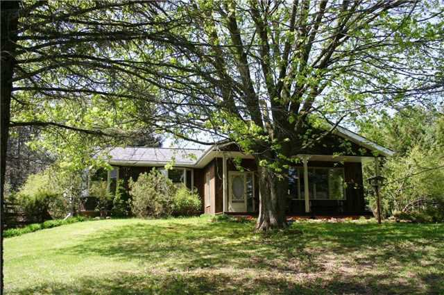 Main Photo: 8754 Sideroad 15 in Erin: Rural Erin House (Bungalow) for sale : MLS®# X4135692