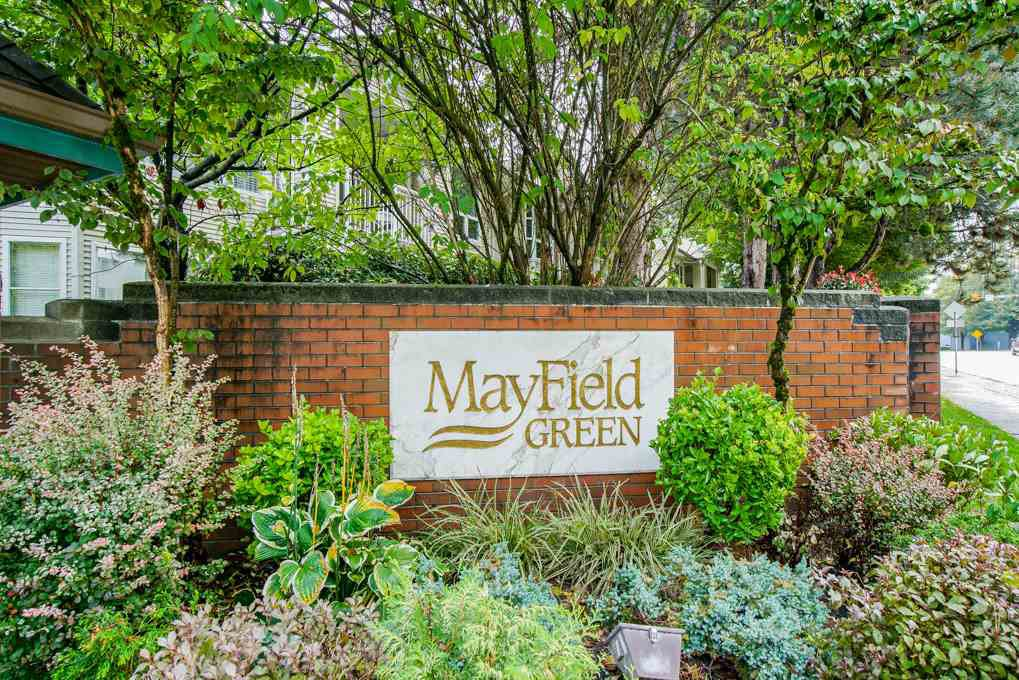 "Main Photo: 13 10038 150 Street in Surrey: Guildford Townhouse for sale in ""MAYFIELD GREEN"" (North Surrey)  : MLS®# R2342820"