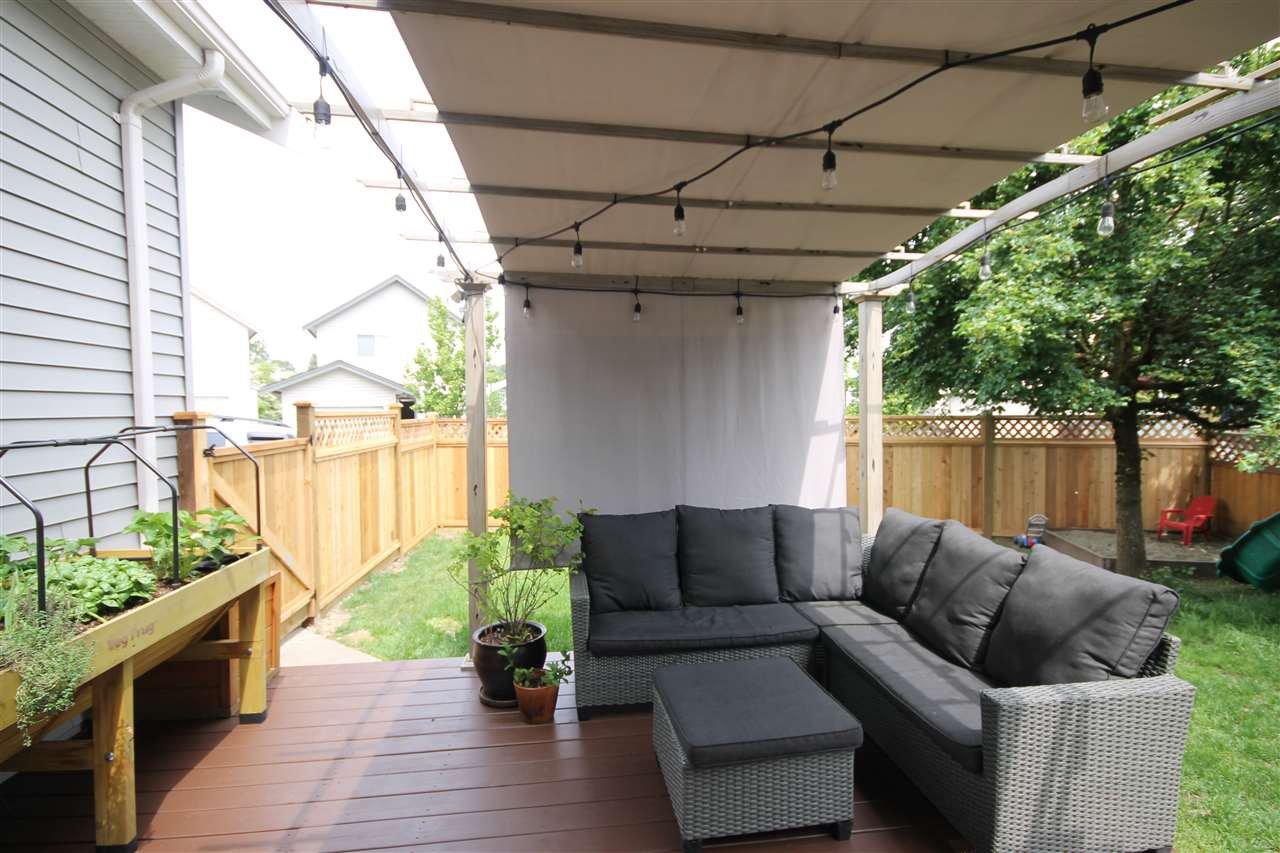 Photo 14: Photos: 18577 67A Avenue in Surrey: Cloverdale BC House for sale (Cloverdale)  : MLS®# R2375928