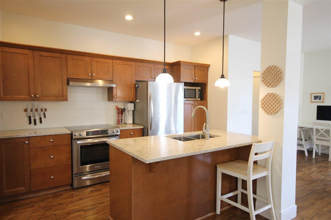 Photo 7: Photos: 18577 67A Avenue in Surrey: Cloverdale BC House for sale (Cloverdale)  : MLS®# R2375928