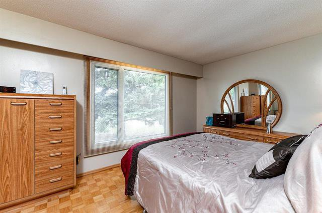Photo 10: Photos: 23 Woodford Bay in Winnipeg: Meadowood Residential for sale (2E)  : MLS®# 1917237