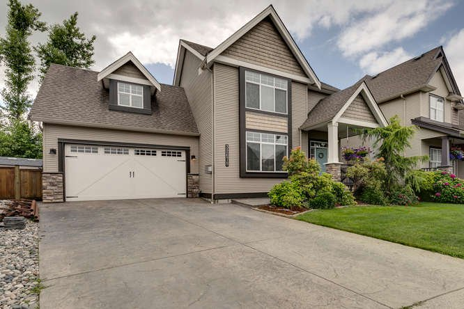 "Main Photo: 32678 GREENE Place in Mission: Mission BC House for sale in ""TUNBRIDGE STATION"" : MLS®# R2388077"