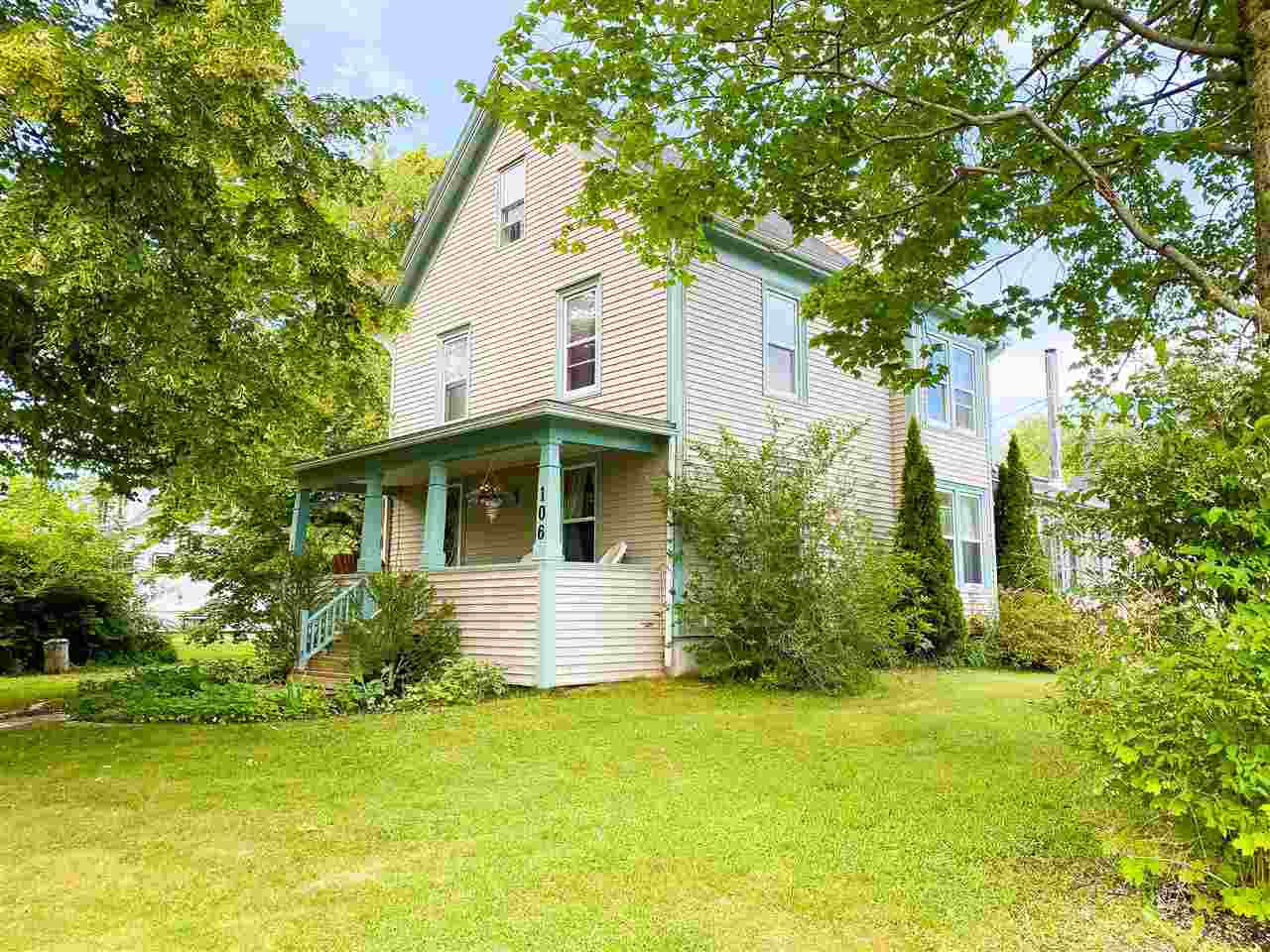 Main Photo: 106 Foster Street in Berwick: 404-Kings County Residential for sale (Annapolis Valley)  : MLS®# 202012192