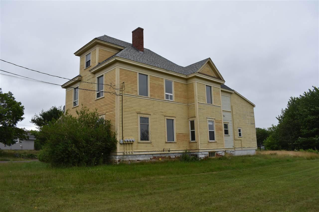 Main Photo: 22 Copp in Amherst: 101-Amherst,Brookdale,Warren Multi-Family for sale (Northern Region)  : MLS®# 202016253
