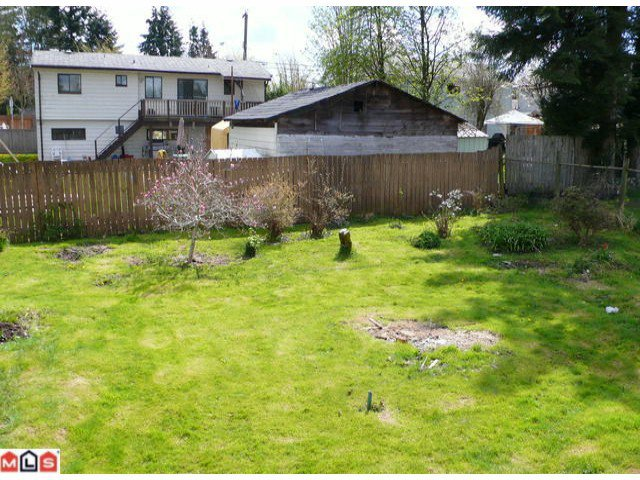 Photo 3: Photos: 13164 106A Avenue in Surrey: Whalley House for sale (North Surrey)  : MLS®# F1111315
