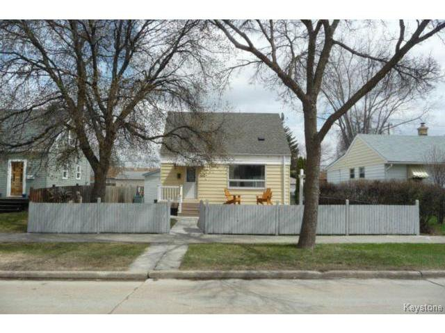 Main Photo: 417 Marjorie Street in WINNIPEG: St James Residential for sale (West Winnipeg)  : MLS®# 1407325