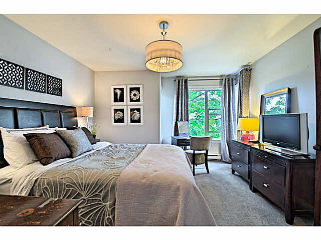 Photo 12: Photos: 522 ST. GEORGES Avenue in North Vancouver: Lower Lonsdale Townhouse for sale : MLS®# V1088673
