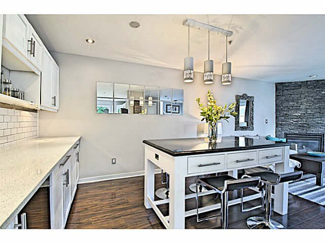 Photo 6: Photos: 522 ST. GEORGES Avenue in North Vancouver: Lower Lonsdale Townhouse for sale : MLS®# V1088673