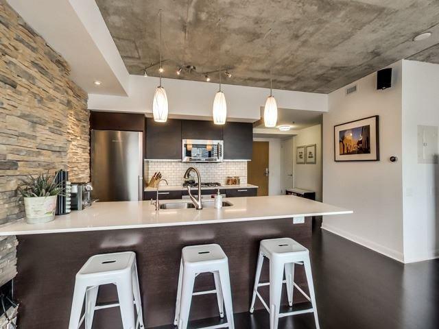 Photo 4: Photos: 2405 375 W King Street in Toronto: Waterfront Communities C1 Condo for sale (Toronto C01)  : MLS®# C3362406