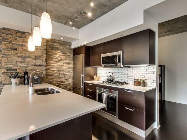 Photo 2: Photos: 2405 375 W King Street in Toronto: Waterfront Communities C1 Condo for sale (Toronto C01)  : MLS®# C3362406