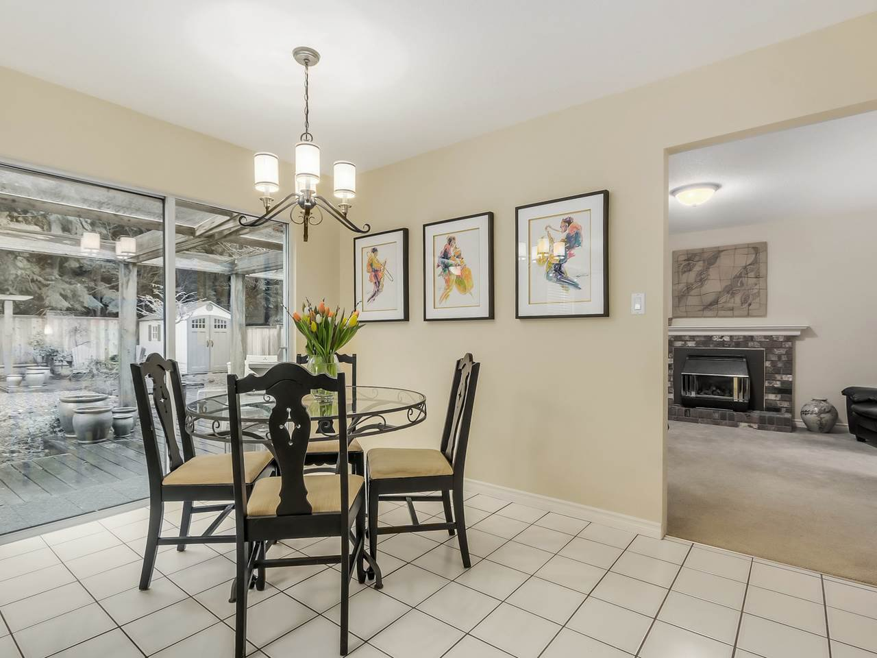 """Photo 10: Photos: 4560 MAPLERIDGE Drive in North Vancouver: Canyon Heights NV House for sale in """"Canyon Heights"""" : MLS®# R2034800"""