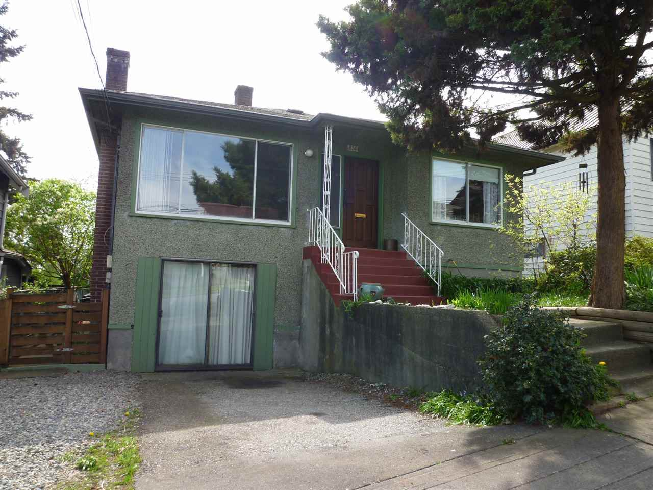 Main Photo: 350 ALBERTA Street in New Westminster: Sapperton House for sale : MLS®# R2055725