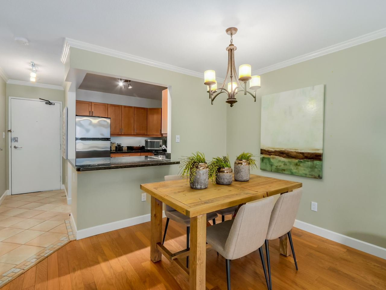 "Photo 5: Photos: 312 555 W 14TH Avenue in Vancouver: Fairview VW Condo for sale in ""CAMBRIDGE PLACE"" (Vancouver West)  : MLS®# R2076585"