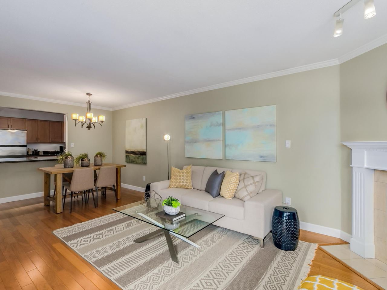 "Photo 4: Photos: 312 555 W 14TH Avenue in Vancouver: Fairview VW Condo for sale in ""CAMBRIDGE PLACE"" (Vancouver West)  : MLS®# R2076585"