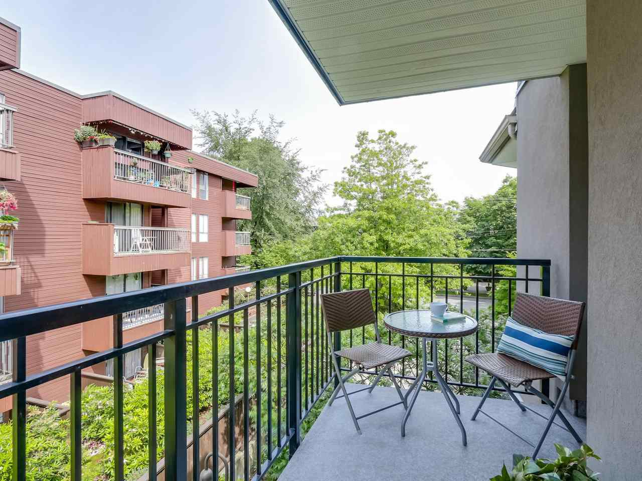 "Photo 12: Photos: 312 555 W 14TH Avenue in Vancouver: Fairview VW Condo for sale in ""CAMBRIDGE PLACE"" (Vancouver West)  : MLS®# R2076585"