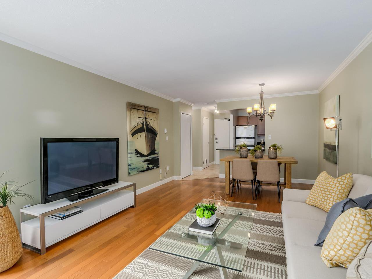 "Photo 3: Photos: 312 555 W 14TH Avenue in Vancouver: Fairview VW Condo for sale in ""CAMBRIDGE PLACE"" (Vancouver West)  : MLS®# R2076585"