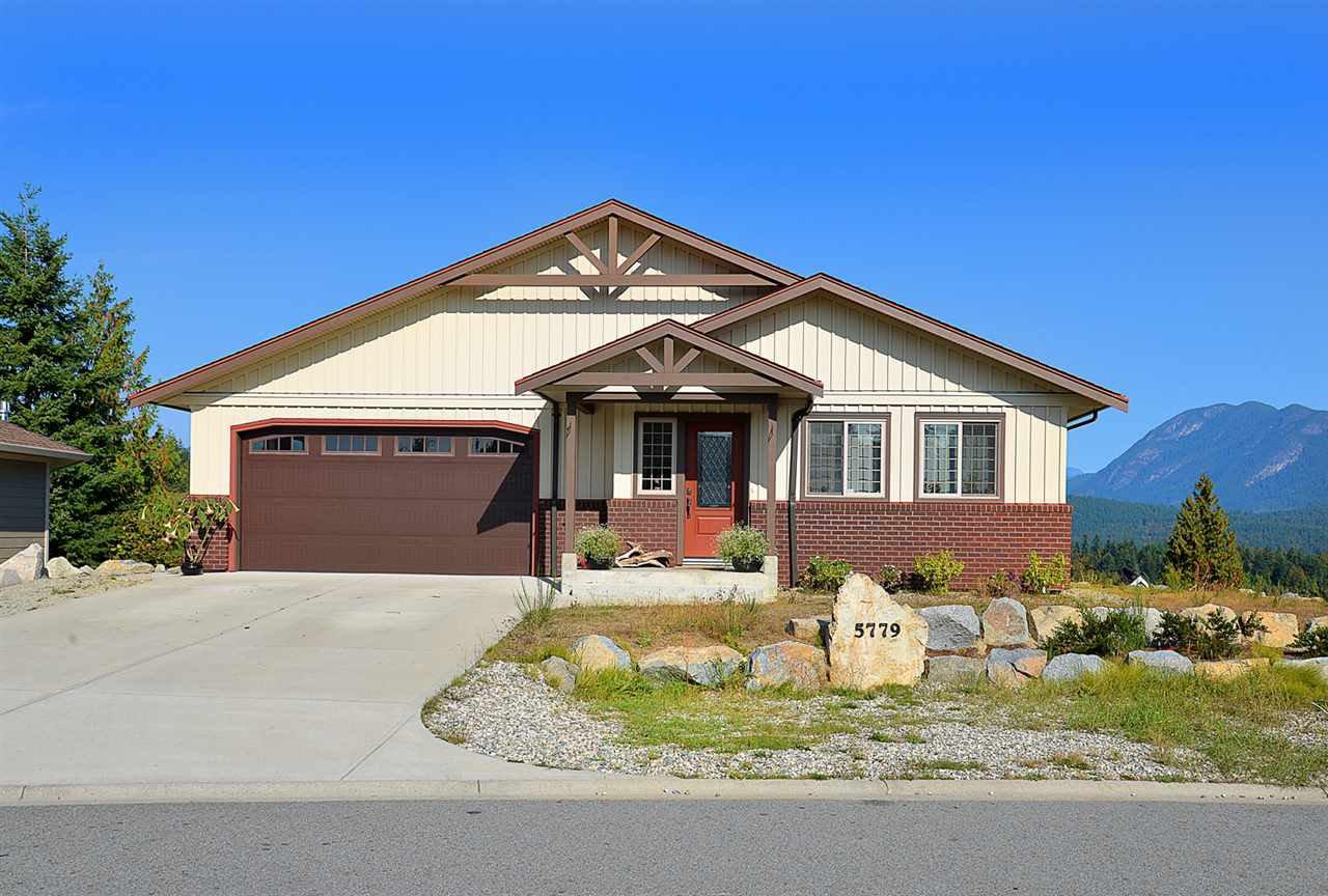 Main Photo: 5779 TURNSTONE Drive in Sechelt: Sechelt District House for sale (Sunshine Coast)  : MLS®# R2112561
