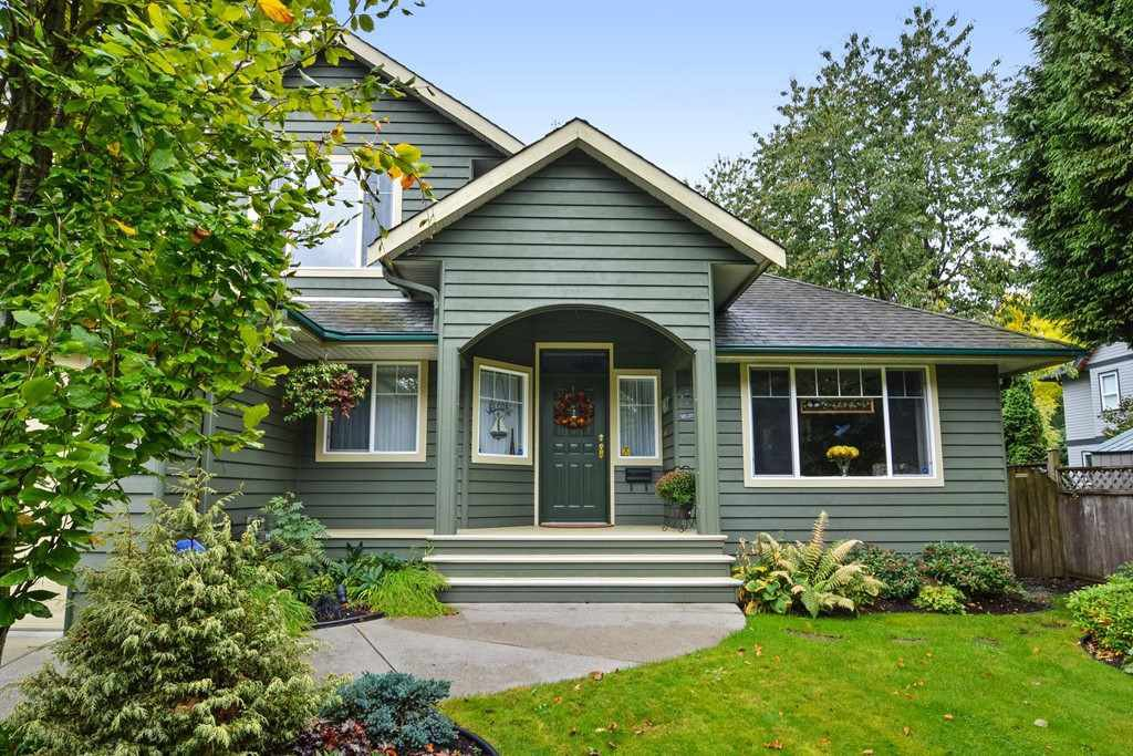 """Main Photo: 12578 27 Avenue in Surrey: Crescent Bch Ocean Pk. House for sale in """"Crescent Heights"""" (South Surrey White Rock)  : MLS®# R2114063"""