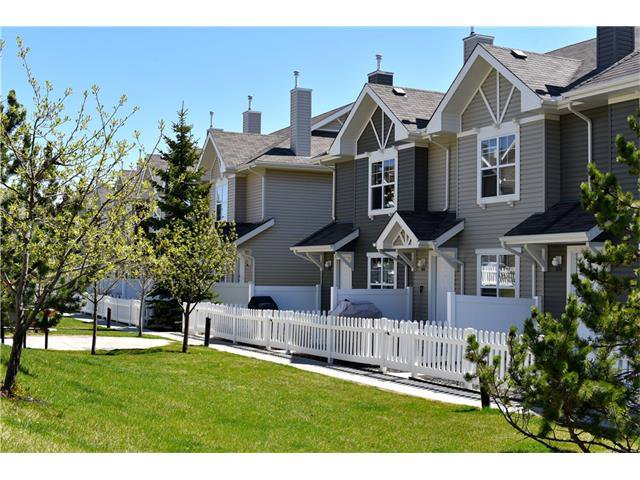 Main Photo: 318 TOSCANA Gardens NW in Calgary: Tuscany House for sale : MLS®# C4116517