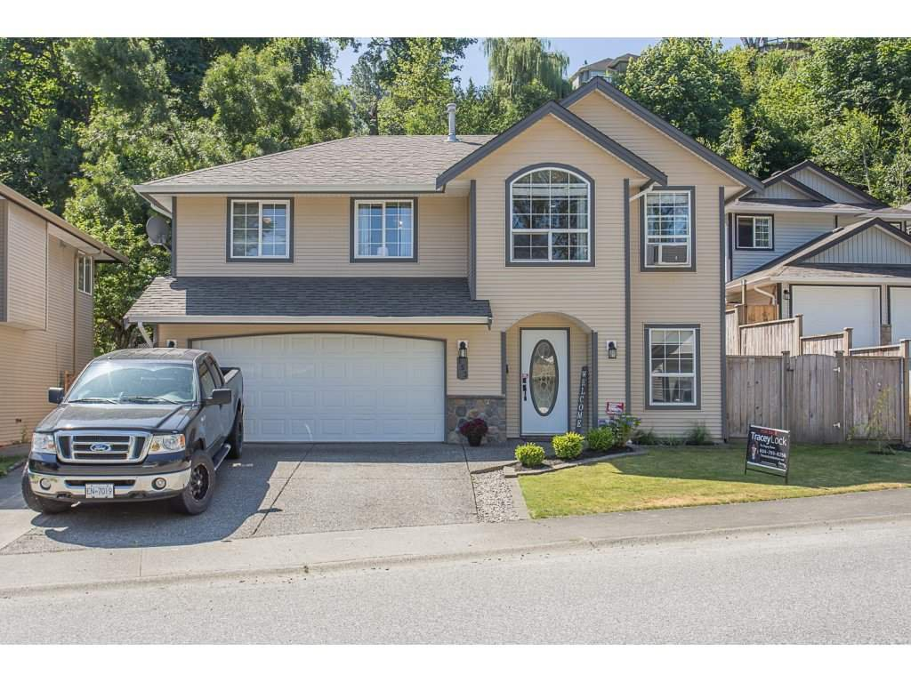 "Main Photo: 153 43995 CHILLIWACK MOUNTAIN Road in Chilliwack: Chilliwack Mountain House for sale in ""TRAILS AT LONGTHORN"" : MLS®# R2192398"