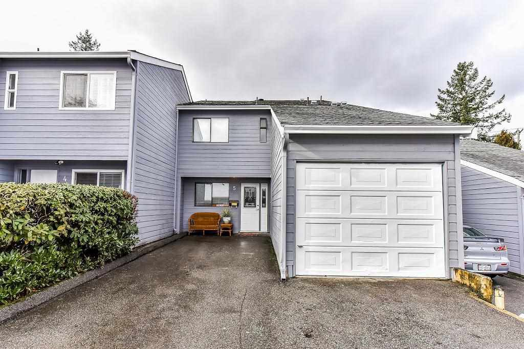 "Main Photo: 5 9958 149 Street in Surrey: Guildford Townhouse for sale in ""TALL TIMBERS"" (North Surrey)  : MLS®# R2242472"