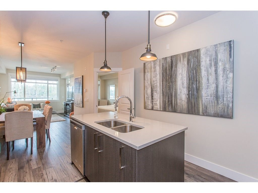 """Photo 5: Photos: 107 22327 RIVER Road in Maple Ridge: West Central Condo for sale in """"REFLECTIONS ON THE RIVER"""" : MLS®# R2248395"""