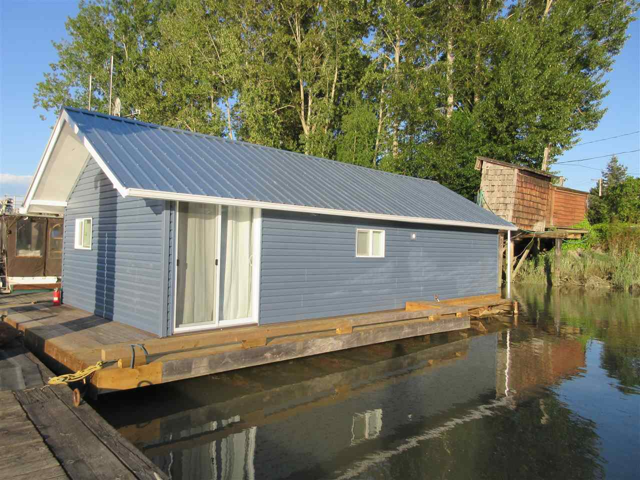 "Main Photo: 1 4671 W RIVER Road in Ladner: Port Guichon House for sale in ""FOUR SEAS MARINA"" : MLS®# R2371412"