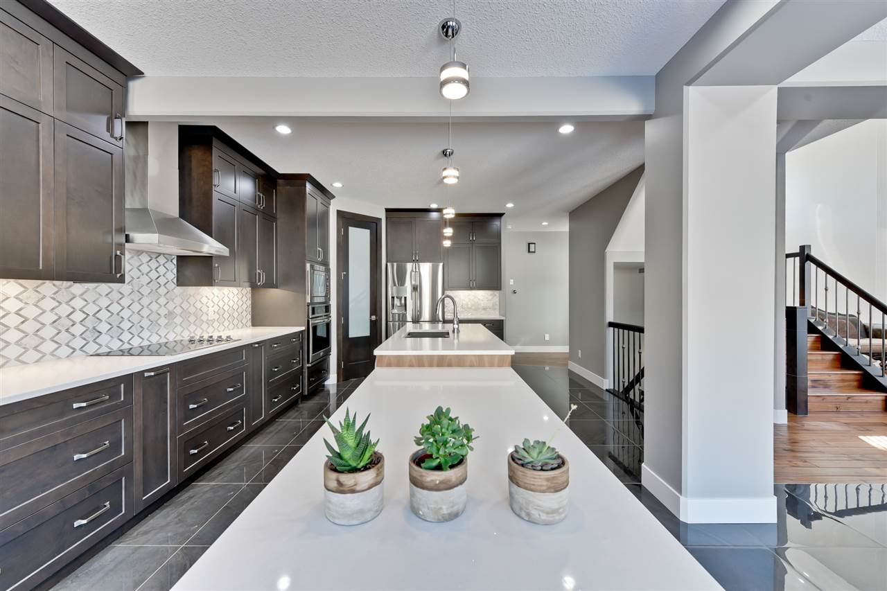 Main Photo: 3916 KENNEDY Crescent in Edmonton: Zone 56 House for sale : MLS®# E4165856