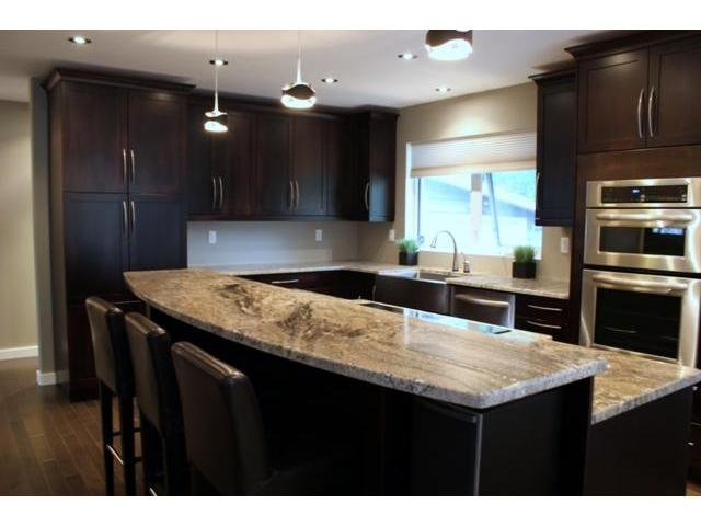Photo 3: Photos: 66 MADERA Crescent in WINNIPEG: Maples / Tyndall Park Residential for sale (North West Winnipeg)  : MLS®# 1111658