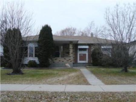 Main Photo: 798 Beaverhill Blvd.: Residential for sale (Southdale)  : MLS®# 2950042