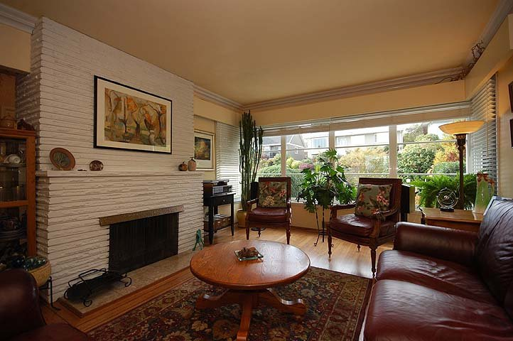 Photo 2: Photos: 921 SURREY Street in New Westminster: The Heights NW House for sale : MLS®# V977015