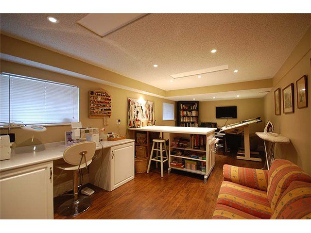 Photo 35: Photos: 921 SURREY Street in New Westminster: The Heights NW House for sale : MLS®# V977015