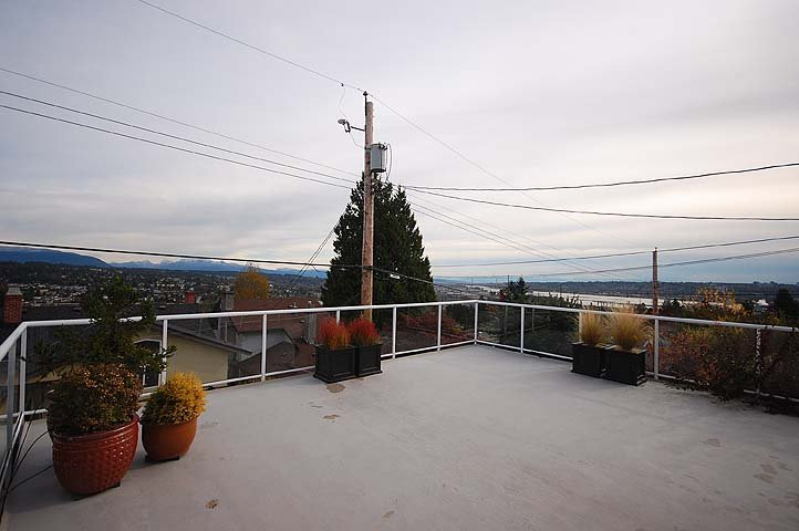 Photo 21: Photos: 921 SURREY Street in New Westminster: The Heights NW House for sale : MLS®# V977015