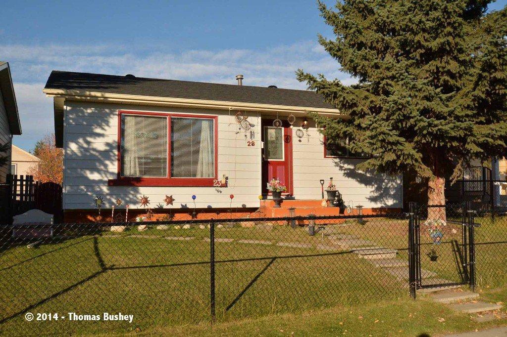 Main Photo: 23 Faldale CLOSE NE in Calgary: Falconridge House for sale : MLS®# C3640726