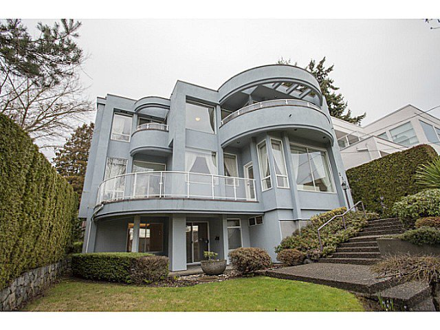 Photo 1: Photos: 2135 LAWSON Avenue in West Vancouver: Dundarave House for sale : MLS®# V1104352