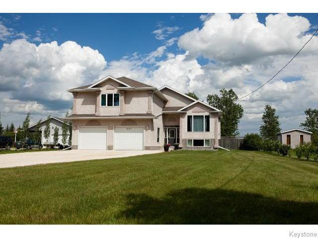 Main Photo: 841 Symington Road South in SPRNGFDRM: Windsor Park / Southdale / Island Lakes Residential for sale (South East Winnipeg)  : MLS®# 1520010