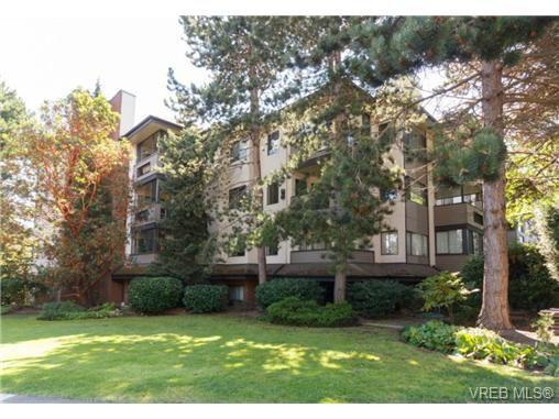 Main Photo: 412 1619 Morrison St in VICTORIA: Vi Jubilee Condo for sale (Victoria)  : MLS®# 709941