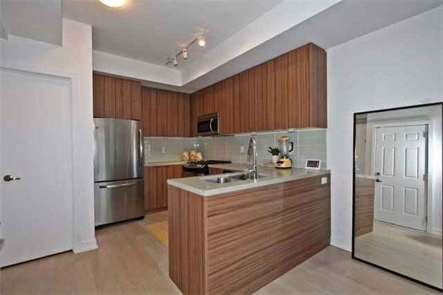 Photo 15: Photos: 29 140 Broadview Avenue in Toronto: South Riverdale Condo for sale (Toronto E01)  : MLS®# E3316429