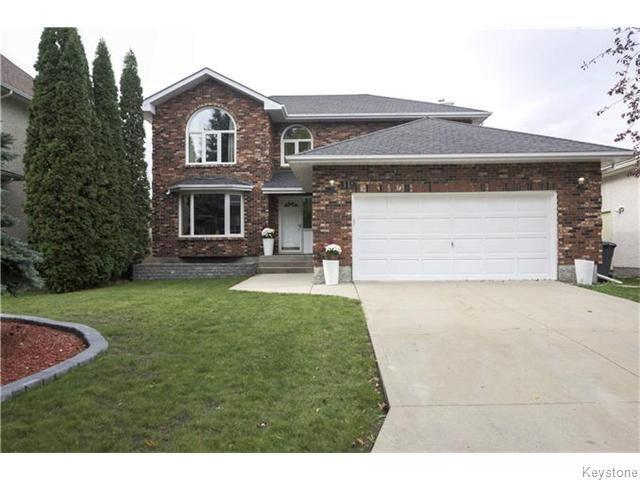 Main Photo: 119 Farmingdale Boulevard in WINNIPEG: River Heights / Tuxedo / Linden Woods Residential for sale (South Winnipeg)  : MLS®# 1527470