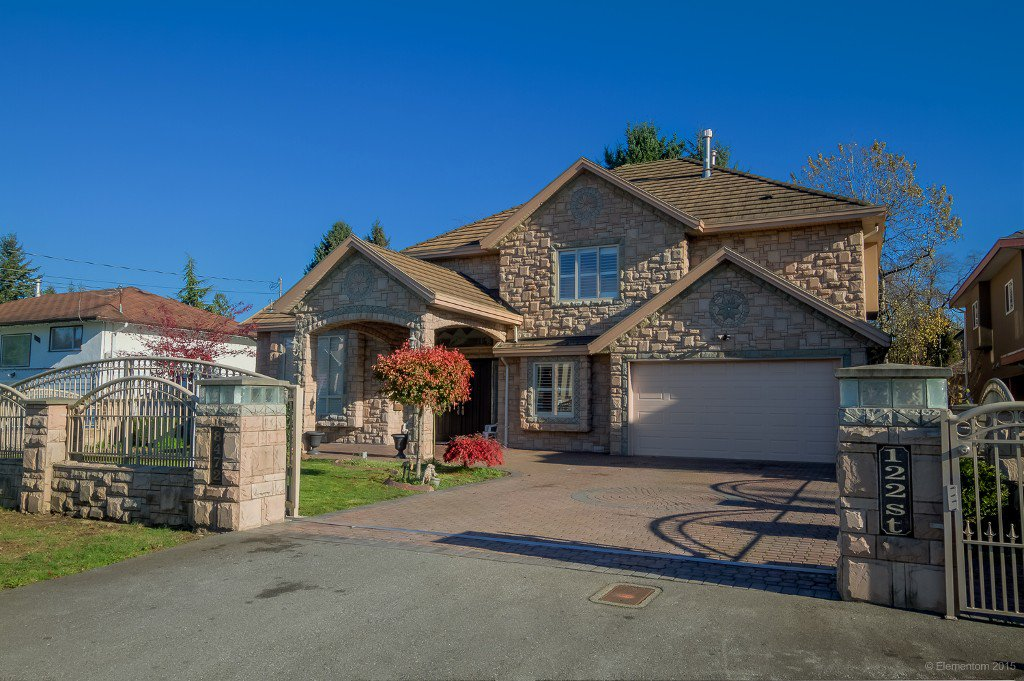 Photo 2: Photos: 8472 122 Street in Surrey: Queen Mary Park Surrey House for sale : MLS®# R2013531