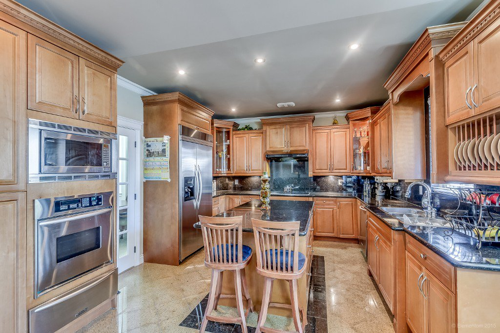 Photo 8: Photos: 8472 122 Street in Surrey: Queen Mary Park Surrey House for sale : MLS®# R2013531