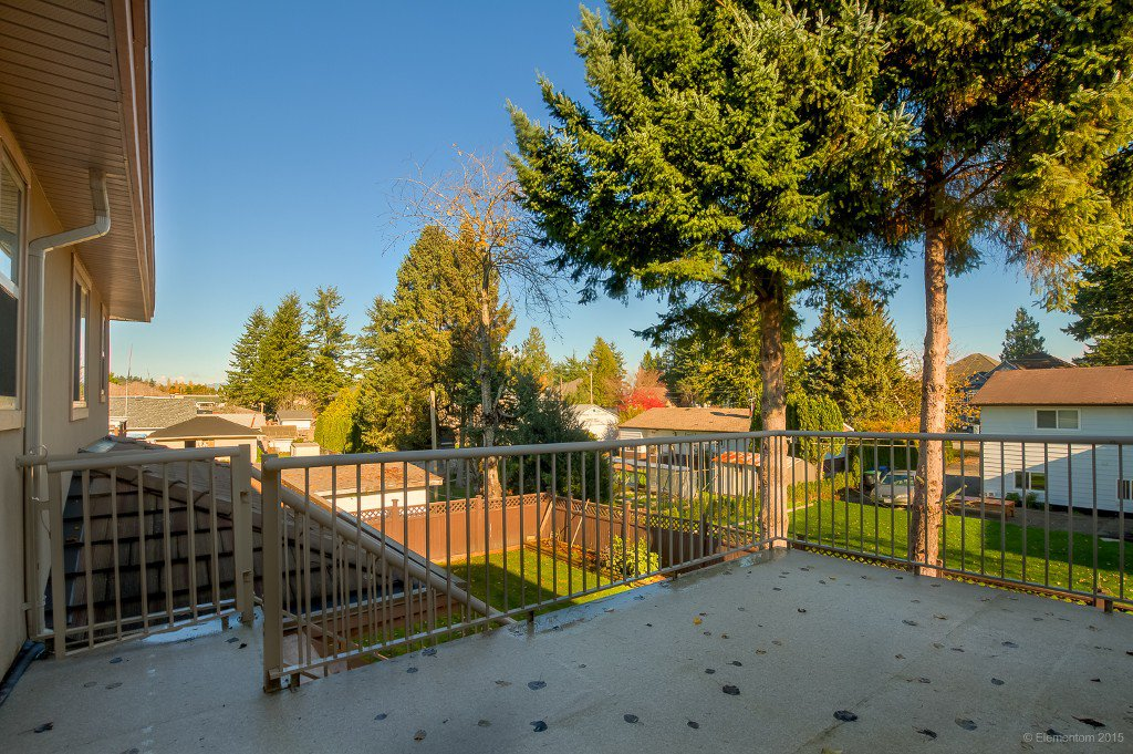 Photo 4: Photos: 8472 122 Street in Surrey: Queen Mary Park Surrey House for sale : MLS®# R2013531