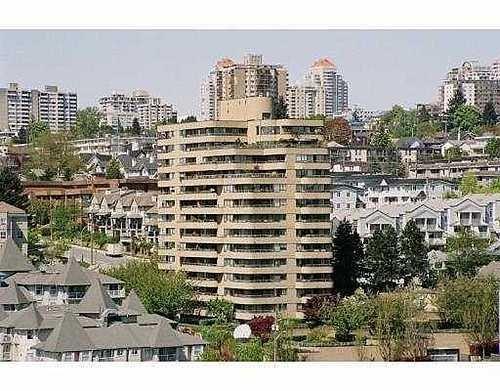 Main Photo: 305 1281 PARKGATE AV in North Vancouver: Home for sale : MLS®# V610090