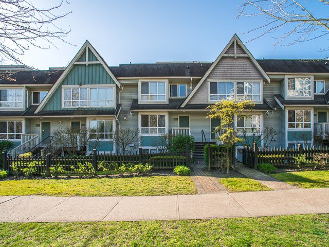 Main Photo: 6788 BERESFORD Street in Burnaby: Highgate Townhouse for sale (Burnaby South)  : MLS®# R2053840
