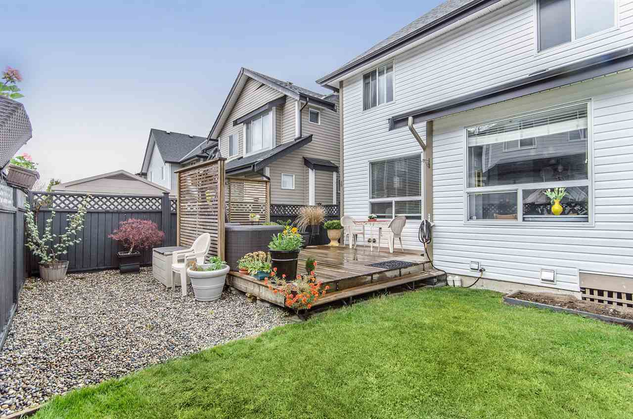 """Photo 20: Photos: 7031 181B Street in Surrey: Cloverdale BC House for sale in """"THE WOODS AT PROVINCETON"""" (Cloverdale)  : MLS®# R2057428"""