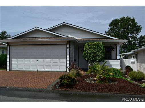 Main Photo: 15 Eagle Lane in VICTORIA: VR Glentana Manu Double-Wide for sale (View Royal)  : MLS®# 366867