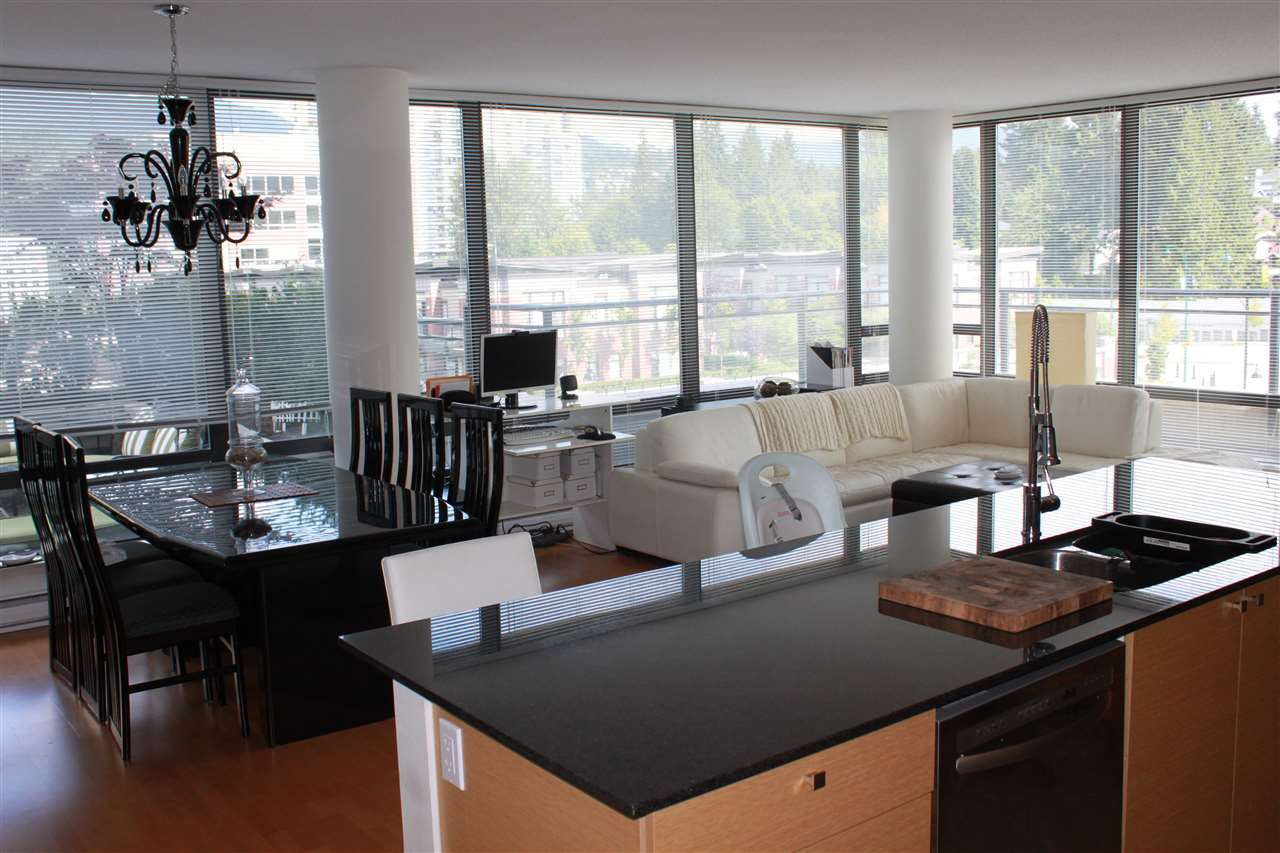 "Photo 3: Photos: 308 400 CAPILANO Road in Port Moody: Port Moody Centre Condo for sale in ""ARIA 2"" : MLS®# R2084466"
