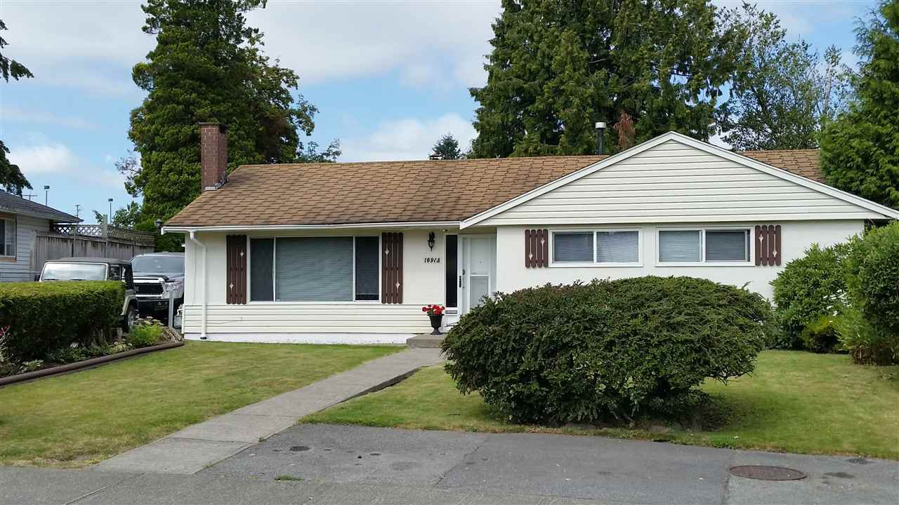 """Main Photo: 10913 ORIOLE Drive in Surrey: Bolivar Heights House for sale in """"birdland"""" (North Surrey)  : MLS®# R2096412"""
