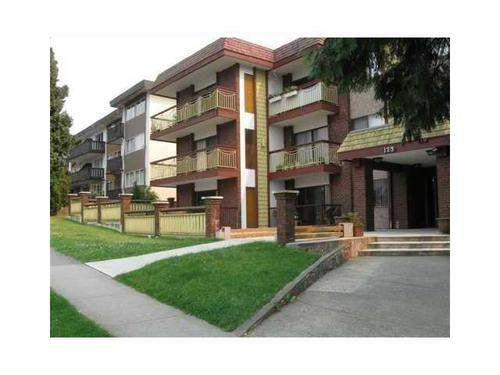 Main Photo: 102 123 19TH Street E in North Vancouver: Home for sale : MLS®# V969946